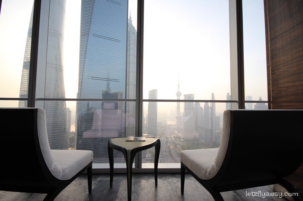 Four Seasons Shanghai Pudong with Kids Pool and Spa