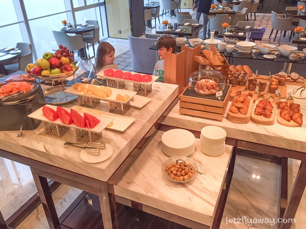 Four Seasons Shanghai Pudong with Kids Executive Lounge