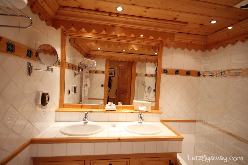 Hostellerie les Bas Rupts Relais & Châteaux in Gérardmer Bathroom