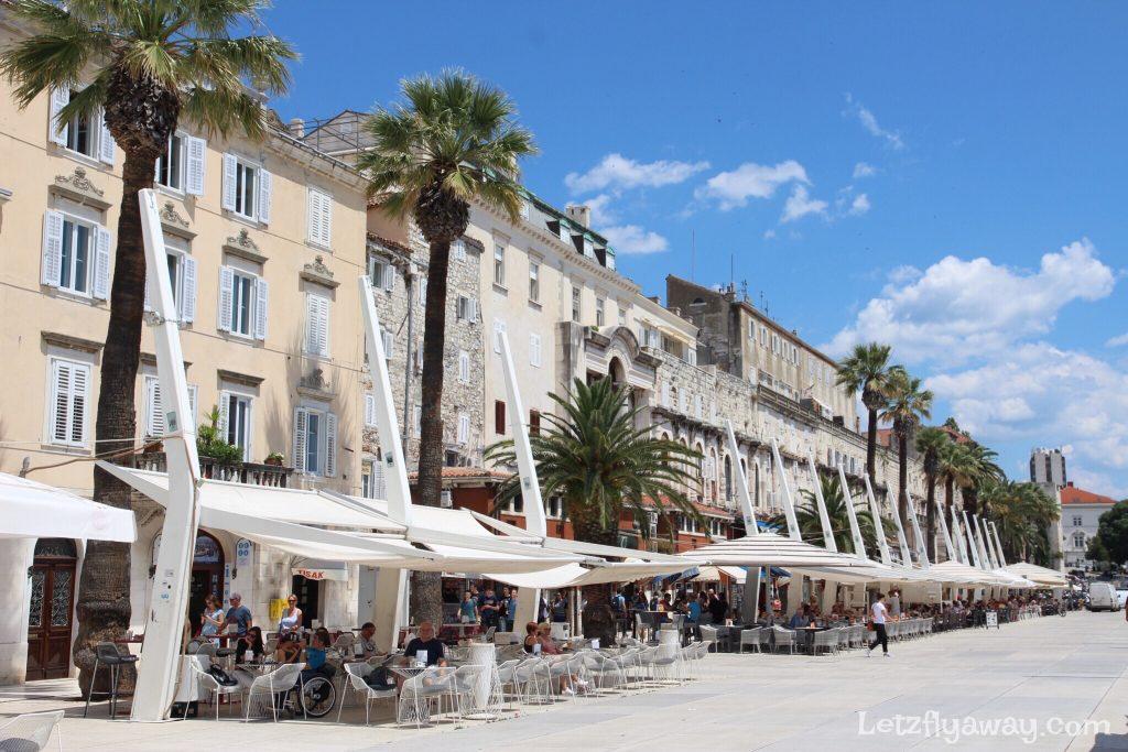 Split Riva romenade and Cafes