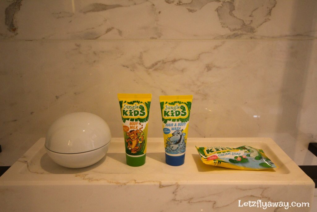 Four Seasons Hotel Seoul Kids bathroom amenities