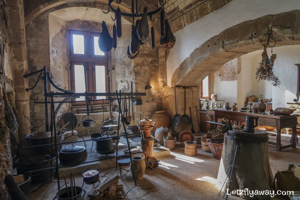 Vianden castle kitchen