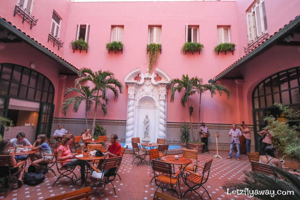 Hotel Mercure Sevilla Havana Cuba Bar