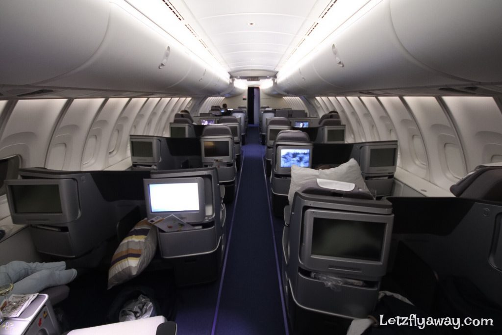 Lufthansa Business Class Boeing 747-8 upper deck configuration