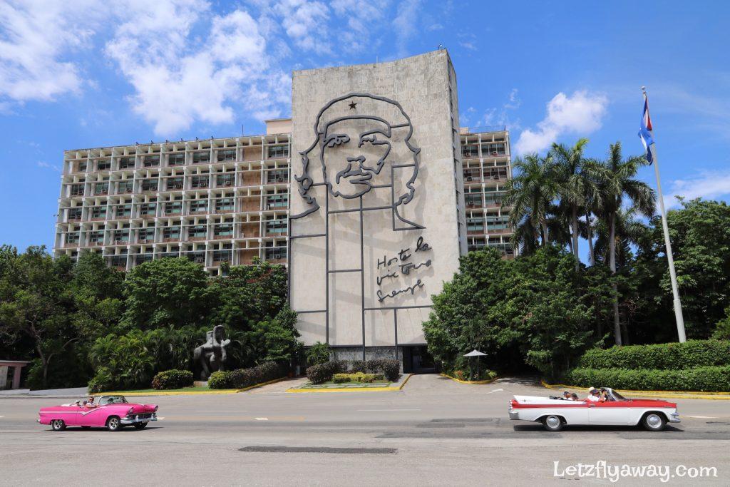 plaza de la revolucion che building