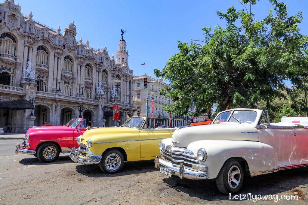 parque central vintage cars