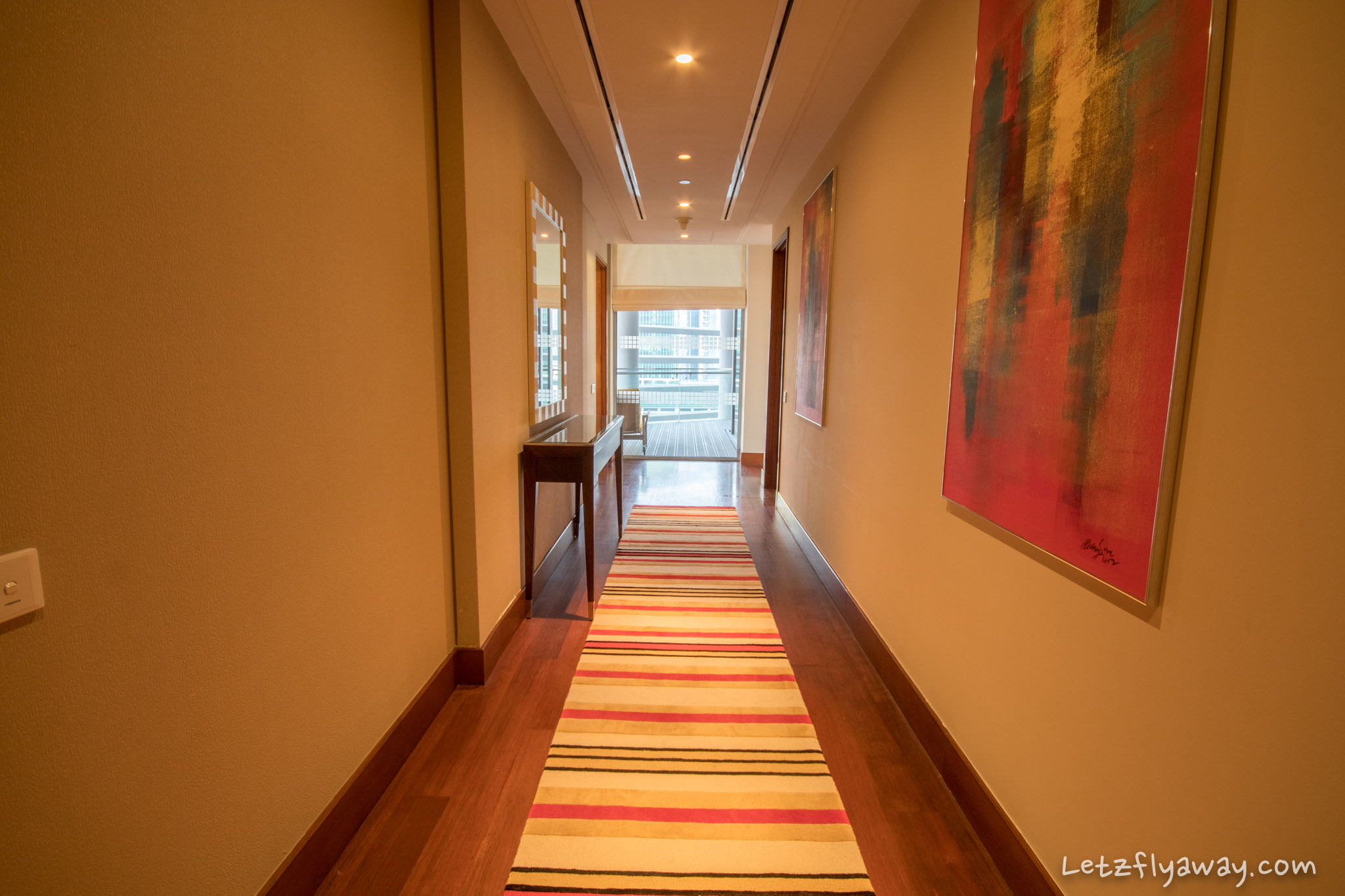 The Oberoi Dubai suite hallway corridor