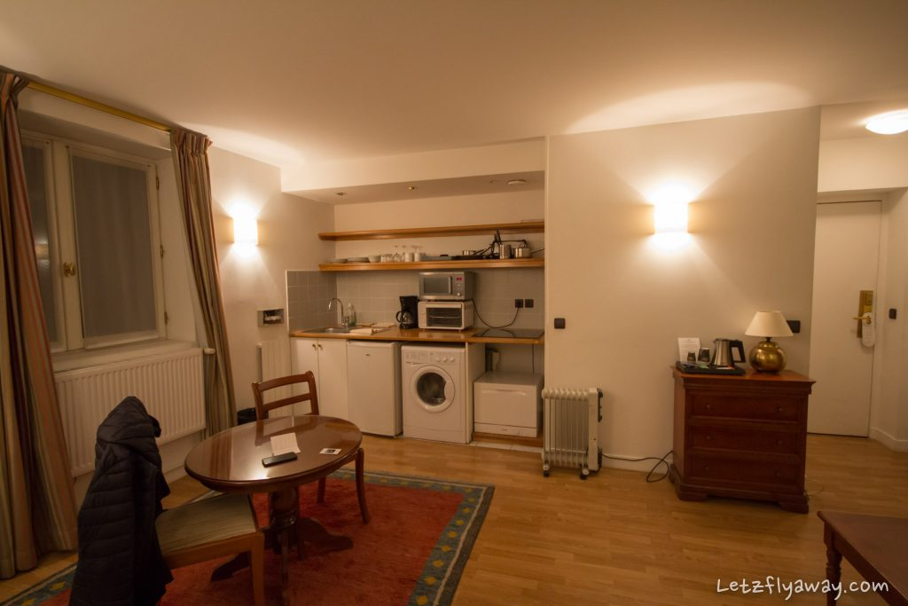Saint James Albany Paris Hotel apartment kitchen