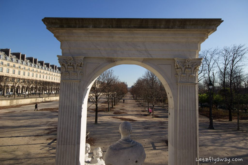 tuileries garden sculpture