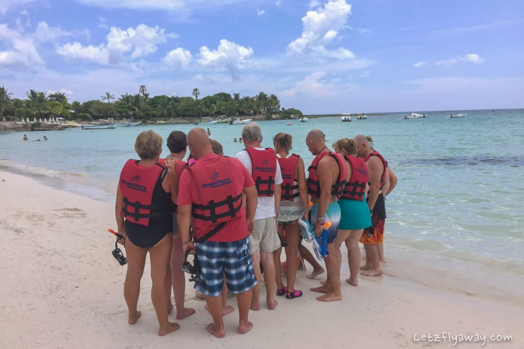 Playa del Carmen with Kids Akumal group snorkeling