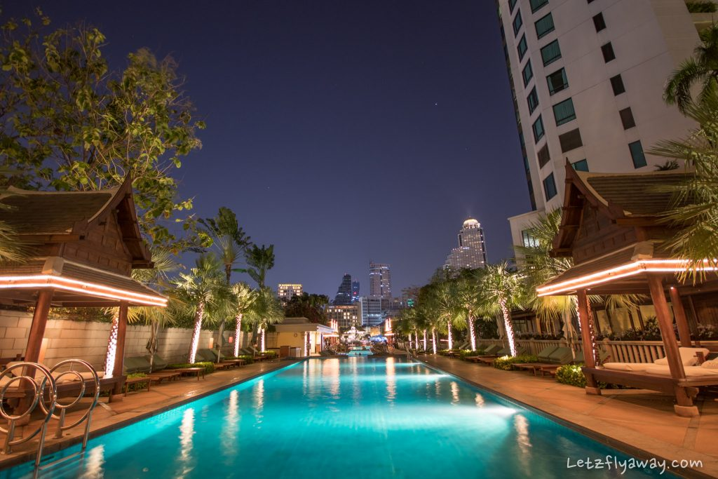 Peninsula Bangkok pool at night