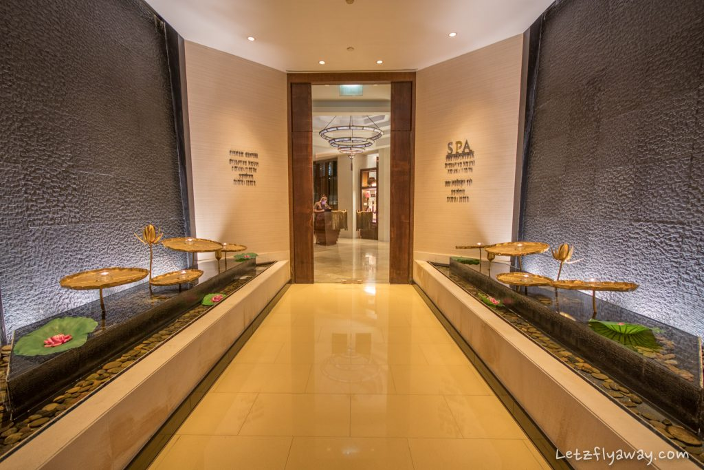Peninsula Bangkok spa entrance