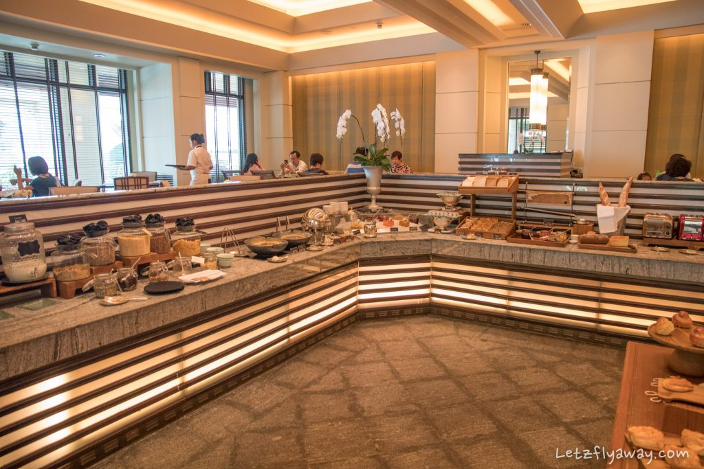 Peninsula Bangkok breakfast buffet