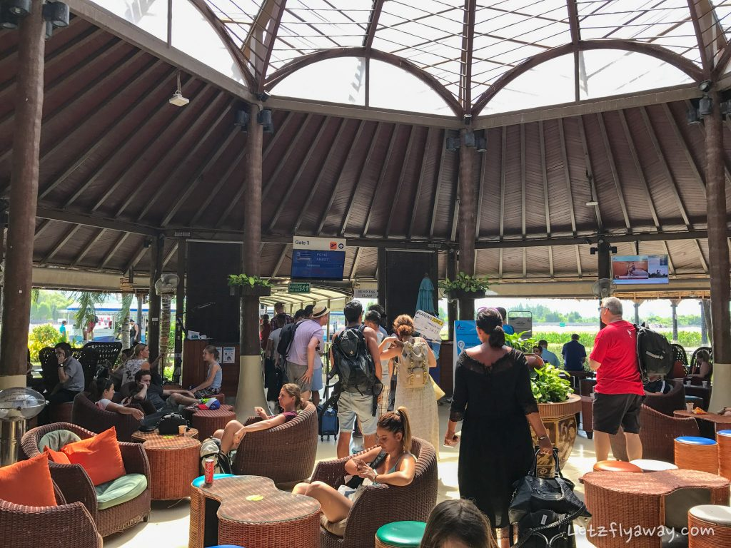 Bangkok Airways Review gate in koh samui