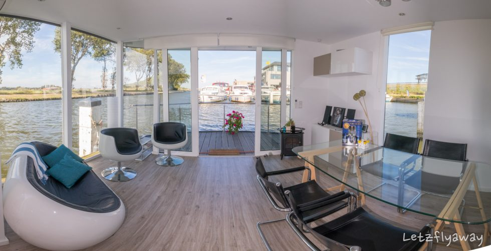 Homeboat Westhoek Marina living room