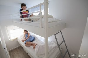 Homeboat Westhoek Marina bunk beds