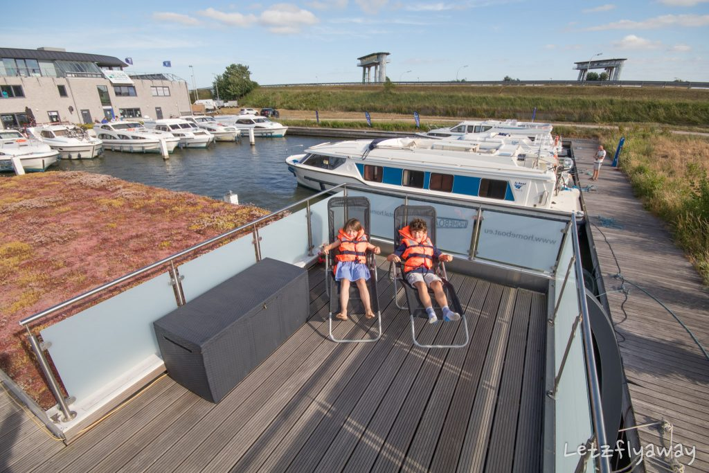 Homeboat Westhoek Marina kids