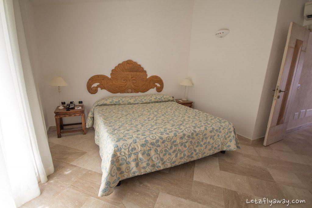Grand Hotel Poltu Quatu master bedroom