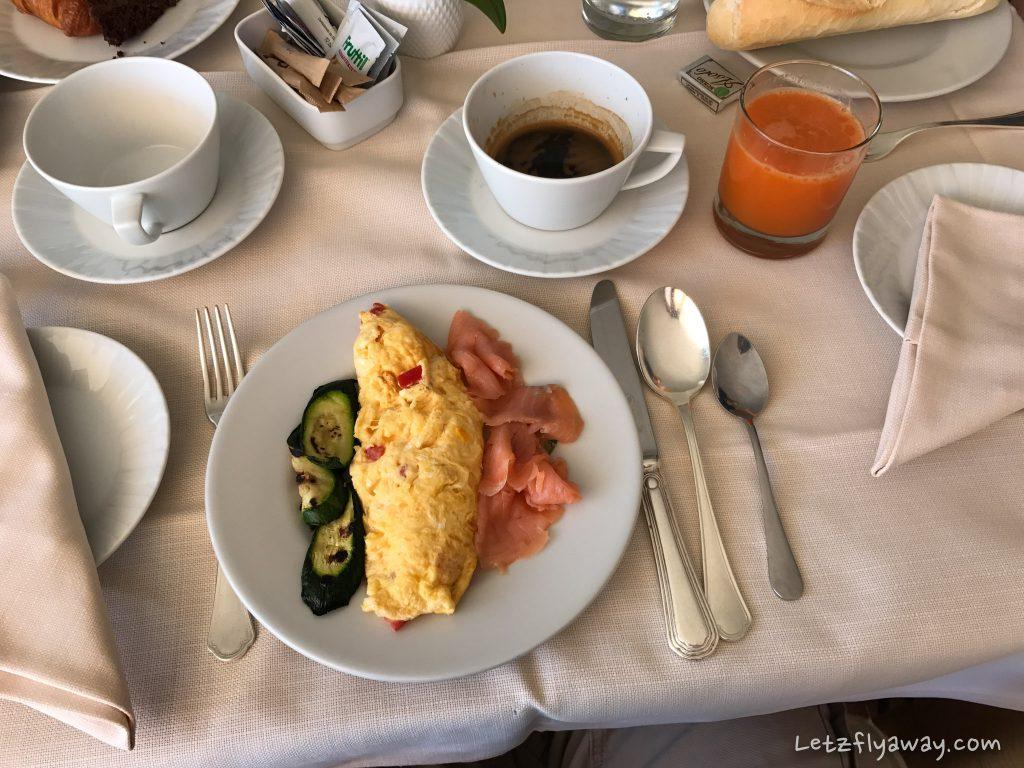 Grand Hotel Poltu Quatu breakfast