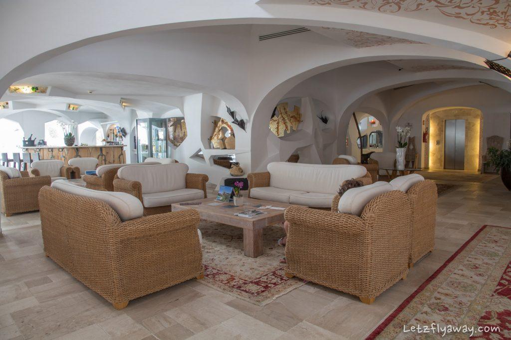 Grand Hotel Poltu Quatu lobby
