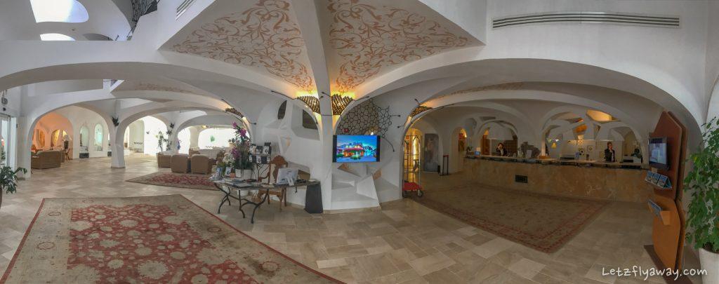 Grand Hotel Poltu Quatu front desk lobby