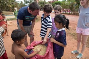 meeting Cambodian kids along the road