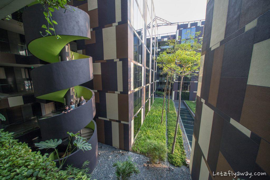 Crowne Plaza Changi architecture