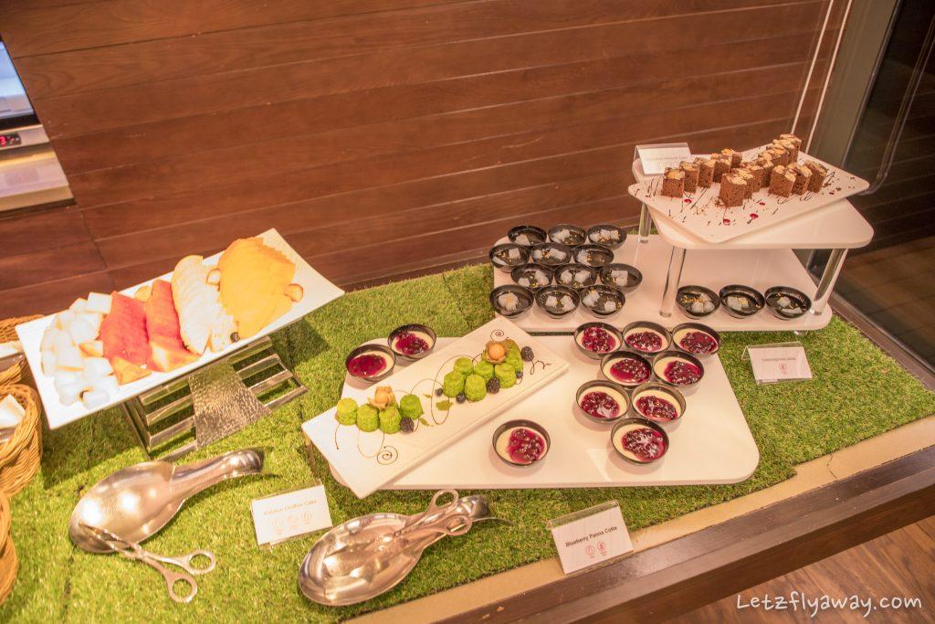 Crowne Plaza Changi lounge evening spread