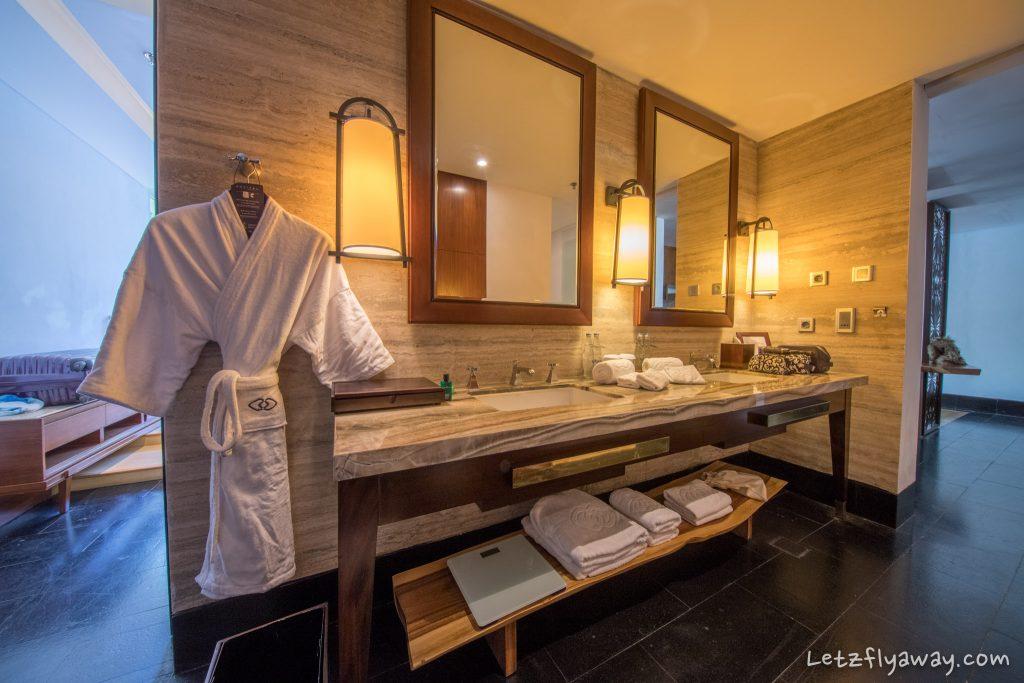 Sofitel Bali Nusa Prestige Suite bathroom